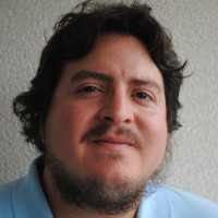 Dr. Hugo Romero